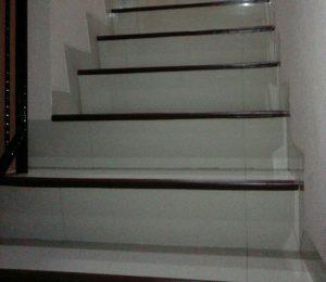 jual karet pengaman anak tangga.
