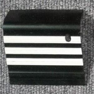 step nosing tangga karet hitam garis putih